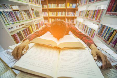 Abschluss in Gefahr! Die Bachelorarbeit schreiben lassen als letzte Hilfe