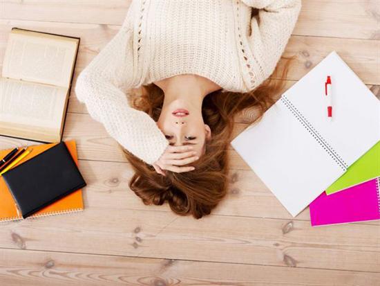 Hausarbeit gleich Hausarrest? Lieber die Hausarbeit schreiben lassen
