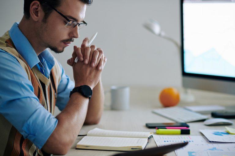Wie schreibe ich ein Bachelorarbeit Exposé? Profi-Tipps + Beispiele